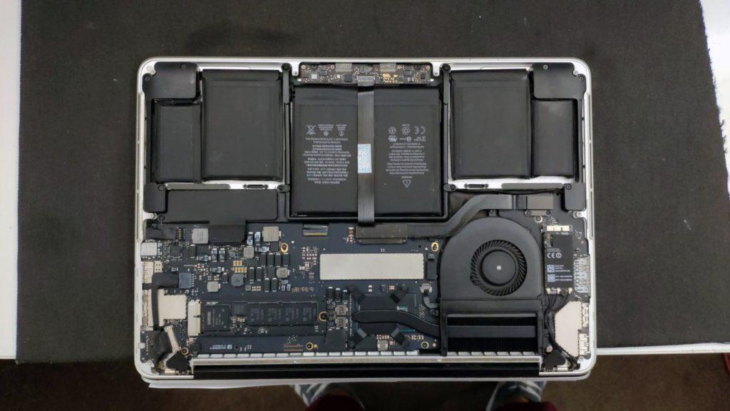 laptop apple macbook a1502 2013 dupa curatarea lichidului curs in el